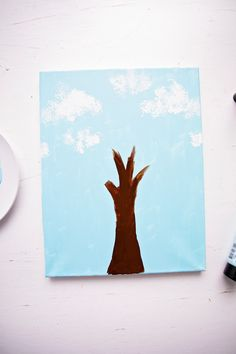 Paint With Broccoli: Fun Stamped Spring Tree - Welcome To Nana's Spring Arts And Crafts, Arts And Crafts Kits, Class Art Projects, Spring Art Projects, Fun Activities For Toddlers, Kindergarten Activities, Do A Dot, Spring Tree, Toddler Art