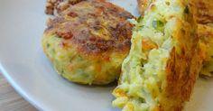 Składniki:1/2 główki włoskiej kapusty (około 800 g)2 marchewki 1 cebula100 g żółtego sera startego na tarce (duże oczka)2 jajka 2 łyżki bułki tartej sól, świeżo mielony czarny pieprz po łyżce ... Fast Recipes, Healthy Recipes, Healthy Meals, Impossible Pie, Bisquick, Vegetable Side Dishes, Broccoli, Nom Nom, Seafood
