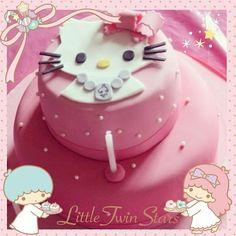 ピンクのキティちゃんのケーキ♡  こんなにかわいいと食べるのがもったいないですね~♡    This Hello Kitty cake is so cute that I don't want to eat it :)♡    photo taken by Tany Kitty on WhatIfCamera    Join WhatIfCamera now :)  http://www.wifcam.com    Follow me on Twitter :)  https://twitter.com/WhatIfCamera    Follow me on Pinterest :)  https://pinterest.com/whatifcamera/pins