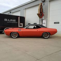 Oh.my.word!! This 71 Cuda is IT!!! Built by @blineautocompany #americanmusclehd #cuda #mopar