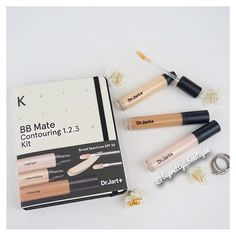 Cream contour for the holidays...❤️ #DrJart's BB Mate Contouring 1.2.3 Kit is the perfect skinperfecting cream contour WITH an SPF of 30!!! This cream gives a natural but sculpted facial contour, coming in three shades for a flawless contour, highlight, and concealer. #makeup #makeupartist #mua #pretty #fotd #motd #instagood #instadaily #beautyblog #selfie #makeuptutorial #follow #like #instalike #youtuber #beautyguru #contour #creamcontour