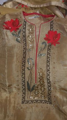 Zardozi Embroidery, Embroidery Suits, Beaded Embroidery, Embroidery Stitches, Embroidery Patterns, Hand Embroidery, Dress Neck Designs, Sleeve Designs, Kurta Designs