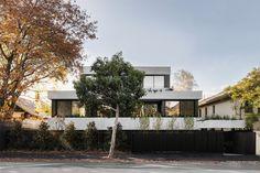 Melbourne Suburbs, Brutalist Buildings, Concrete Facade, Contemporary Building, Contemporary Houses, Urban Fabric, Queenslander, Interior S, Interiores Design