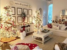 Happy Tuesday, y'all! Did y'all know today is I just wanted to say that I am so thankful for this decor community and… 70 beautiful christmas decoration ideas for your room Stunning red, black and white Christmas decor Image may contain: living room Beautiful Christmas Decorations, Diy Christmas Tree, Christmas In July, Country Christmas, Xmas Decorations, Christmas Music, White Christmas, Merry Christmas, Holiday Decor
