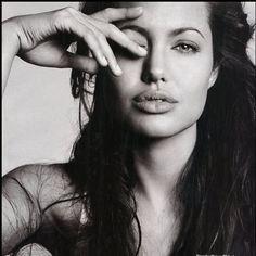 Jolie.