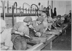 Women workers in ordnance shops, Midvale Steel and Ordnance Company, Nicetown, Pennsylvania. Hand chipping with pneumatic hammers. American Women, American History, Pneumatic Hammer, History Of Welding, Rosie The Riveter, World War One, Women In History, Photo Library, Vintage Photographs
