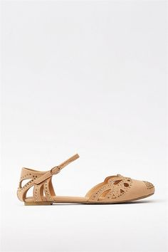 so cute when flats are neccessary, otherwise of course its heels. Love Fashion, Fashion Shoes, Womens Fashion, Crazy Shoes, Me Too Shoes, Shoe Boots, Shoes Sandals, Kylie, Up Girl