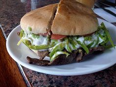 chacarero sandwich -  Grilled beef + tomato slices + green beans + mayo ... enjoy!