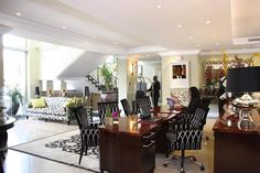 Sophisticated, glamorous interior design and decoration of a boutique hotel in Johannesburg.  Inviting entrance foyer.