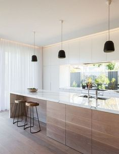 Lovely Minimalist Kitchen Decor And Design Ideas - Küche Ideen Home Decor Kitchen, Interior Design Kitchen, Kitchen Ideas, Room Interior, Interior Modern, Modern Luxury, Diy Interior, Modern Rustic, Kitchen Planning