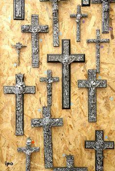 Les crucifix de Démélis