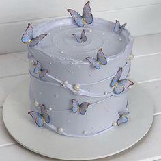 Beautiful Cake Designs, Beautiful Cakes, Amazing Cakes, 1st Birthday Cake For Girls, Cute Birthday Cakes, Cupcakes For Girls, Birthday Cake Decorating, Cake Decorating Tips, Cute Cakes