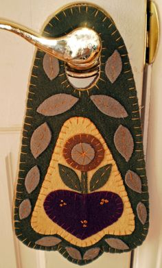 Pennsylvania Folk Heart Penny Rug Door Knob Hanger
