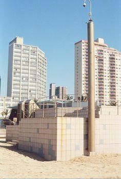 Willis Tower, Cn Tower, Skyscraper, Multi Story Building, Beach, Travel, Skyscrapers, Viajes, The Beach