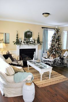 Same layout of my family room, same color of my walls.....will have to do blue!