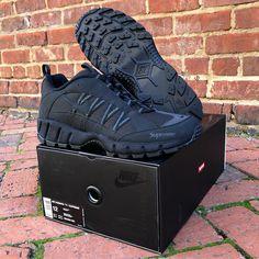 e4a28696ff37 Supreme x Nike Air Humara
