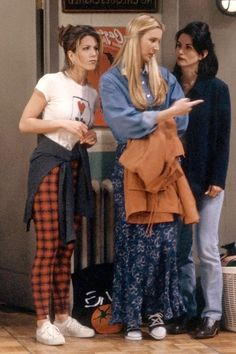 People thought her hair was the best thing about her, but all of those people are dead wrong. Her clothes are. All hail the late '90s layering of Rachel Green.