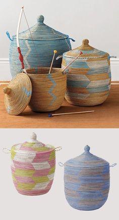 Senegalese baskets (via heysusy) Painted Baskets, Baskets On Wall, African Home Decor, African Crafts, Bountiful Baskets, Basket Bag, Weaving Art, Basket Weaving, Wicker