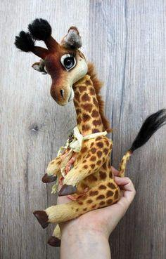 Giraffe Gisele By Klavdiia Kolodnytska - Bear Pile