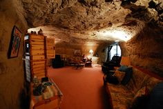 The Best Designed Underground Spaces in America: Kokopelli's Cave Hotel Unique Hotels, Best Hotels, Garages, Underground Hotel, Underground Living, Farmington New Mexico, Living Room Themes, Living Spaces, Space Tourism