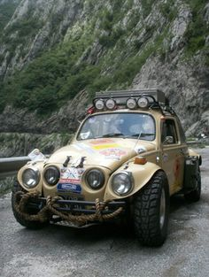 VW Heritage tells the amazing story of how a VW Baja Bug and its female crew travelled overland to Singapore. Vw Baja Bug, Vw Super Beetle, Beach Buggy, Vintage Porsche, Expedition Vehicle, Vw Cars, Rally Car, Vw Beetles, Cool Cars