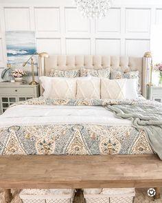 Beth Hunter | HomeStoriesAtoZ (@homestoriesatoz) • Instagram photos and videos Tumblr Bedroom, Bedroom Quotes, Bedroom Signs, Farmhouse Master Bedroom, Home Bedroom, Bedroom Ideas, Shelves In Bedroom, Beautiful Bedrooms, Decorating Ideas