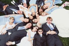 I would like a wedding party picture like this