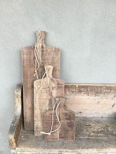 Stoere landelijke broodplank kaasplank snijplank met grof jute koord touw 85 cm