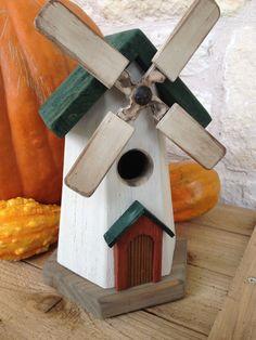 Cool Bird Houses, Decorative Bird Houses, Wooden Bird Houses, Bird House Feeder, Diy Bird Feeder, Diy Wood Projects, Wood Crafts, Homemade Bird Houses, Bird House Plans