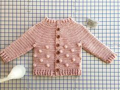 crochet baby cardigan I have a fun new baby sweater pattern to share with you today! The Rylan cardigan is the cutest new crochet pattern for boys and girls 3 months to 6 years. Crochet Baby Sweaters, Crochet Baby Cardigan, Crochet Baby Clothes, Baby Knitting, Baby Sweater Patterns, Baby Patterns, Crochet Girls, Crochet For Kids, Cardigan Bebe