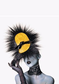 Heady Notions. Nadja Auermann in Philip Treacy´s Hats for Vogue 1996 (III).