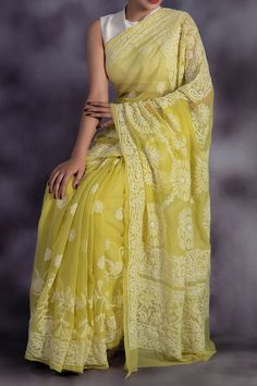 Olive Green Colour Hand Embroidered Lucknowi Chikankari Saree (With Blouse - Georgette) Trendy Sarees, Stylish Sarees, Fancy Sarees, Silk Saree Blouse Designs, Saree Blouse Patterns, Indian Bridal Outfits, Indian Designer Outfits, Dress Indian Style, Indian Dresses