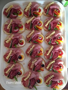 Party Finger Foods Party Snacks Appetizers For Party Appetizer Recipes Party Food Platters Plats Froids Food Garnishes Reception Food Tea Sandwiches Fruit Appetizers, Gluten Free Appetizers, Cheese Appetizers, Appetizers For Party, Appetizer Recipes, Canapes Recipes, Healthy Appetizers, Dairy Free Gelato, Canapes Catering
