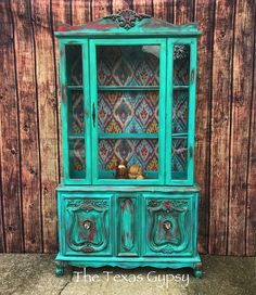 Can't get enough of this one of a kind hutch painted in GF Patina Green and Holiday Red Milk Paint by The Texasgypsy. Can't get enough of this one of a kind hutch painted in GF Patina Green and Holiday Red Milk Paint by The Texasgypsy. Funky Painted Furniture, Funky Furniture, Refurbished Furniture, Paint Furniture, Furniture Projects, Furniture Makeover, Furniture Design, Rustic Furniture, Distressed Furniture