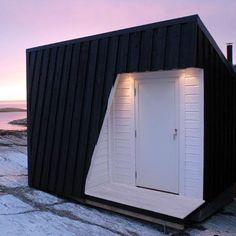 Vardehaugen cabin–minimalist cabin design for holiday