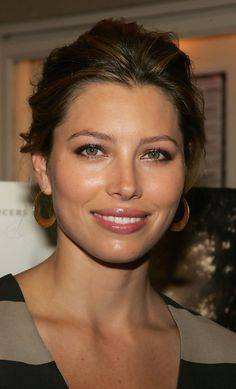 Prettiest Actresses, Hot Actresses, Beautiful Actresses, Hollywood Actresses, Jesica Biel, Cute Hairstyles, Wedding Hairstyles, Jessica Biel And Justin, Gal Gardot