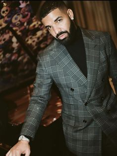 Drake is set to visit Nigeria in March 2020 for his six-city tour of Africa Drake Fashion, Drake Wallpapers, Drake Clothing, Drake Drizzy, Drake Graham, Aubrey Drake, Young Money, Mens Fashion Blazer, New Year New Me