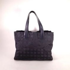 Auth CHANEL New Travel Line Tote Bag MM (b16000213) ea3d724226589