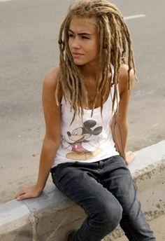 i bet you love these dreads. ohjeezjaelynn i bet you love these dreads. i bet you love these dreads. Blonde Dreads, Dreads Girl, Rasta Girl, Rasta Man, Dreadlock Hairstyles, Cool Hairstyles, Beautiful Dreadlocks, Dreads Styles, Favim