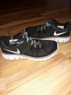 c85c32b4dc81 NIKE Youth Boys Shoes Black Gray and White. Size 4y. Preowned.  fashion