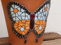 Mosaic Pots, Clay Pots, Planter Pots, Arts And Crafts, Butterfly, Mosaic Crafts, Vases, Decorated Flower Pots, Butterflies