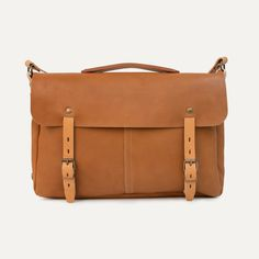 Bleu de Chauffe, leather messenger bag. Sac plombier Justin. Made in france #leather #mensbag