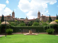 Pretoria, Union Buildings, where President Nelson Mandela was inaugurated as SA's first black President and where he lay in state for 3 days prior to his burial at his home village of Qunu in the Eastern Cape, South Africa Pretoria, Nelson Mandela, Seychelles, Cap Vert, Visit South Africa, Parc National, Rest Of The World, Countries Of The World, Day Tours