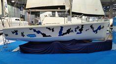 Mit Folie das Bootsdesign verändern.