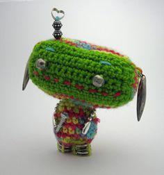 So cute! Bubblegum Bessie Amigurumi Robot by TheTinyOwls on Etsy Bubble Gum, Robot, Christmas Ornaments, Holiday Decor, Unique Jewelry, Handmade Gifts, Cute, Etsy, Vintage