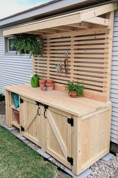 Potting bench ideas to make your outdoor space more beautiful. Discover the most gorgeous designs and get inspired! #OutdoorsLiving