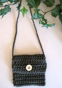 Good pattern for teaching to crochet....Little Crochet Bag