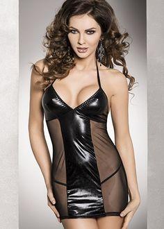 """""""Adoptez le look femme fatale"""" Cette robe ajustée possède un fort pouvoir de séduction. Elle combine vinyle et résille pour sublimer vos courbes. Son décolleté ne laisserai pas votre partenaire indifférent. Elle se lace au cou.  Un string assorti accompagne la robe."""