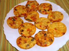 Des petits clafoutis méditerranéens pour l'apéro... Pour une quinzaine de mini-clafoutis : 1 oeuf 1/2 CS de maïzena 100 g de fromage blanc...