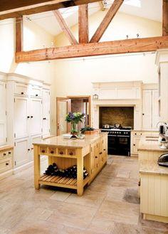 Weiße Küche-rustikale Griffe Balken-Granit Platte